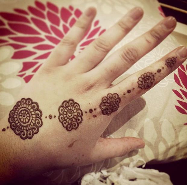 Simple flower Henna Designs