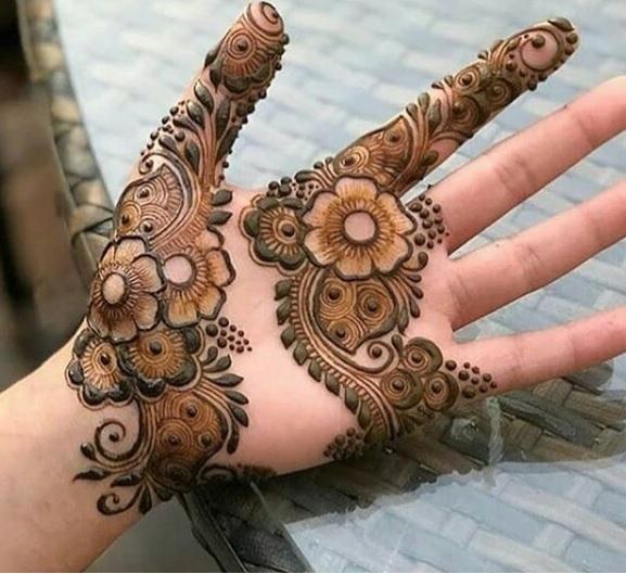 arabic henna hand design