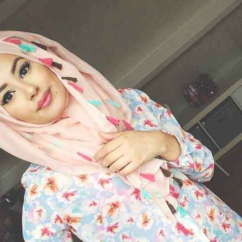 girl with Loose Hijab and print shirt  For Summer
