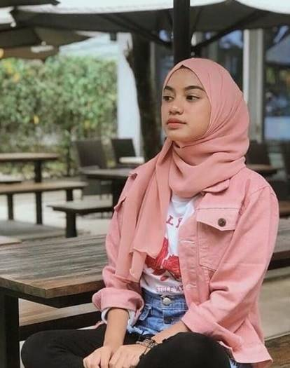 pink hijab pair with matching color denim jacket