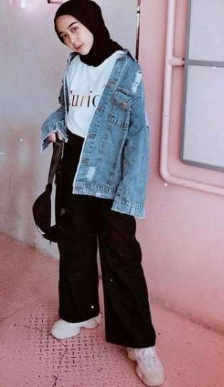 girl with ootd jaket jeans oversize