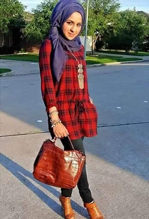girl with latest fashion hijab with bag in her hand